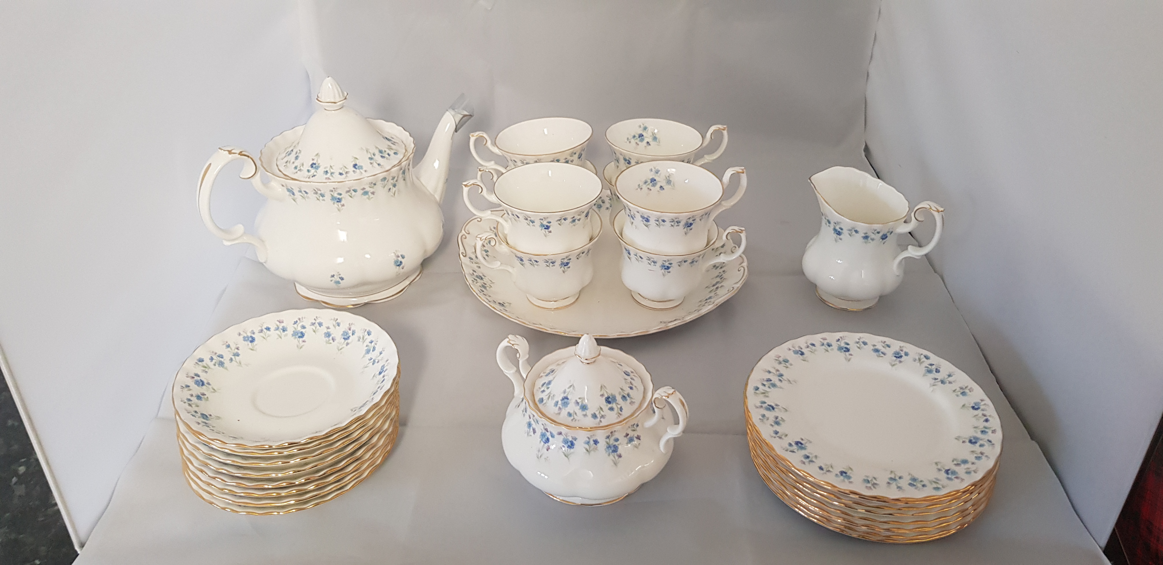 Royal Albert Memory Lane Tea Service – 29 Pieces